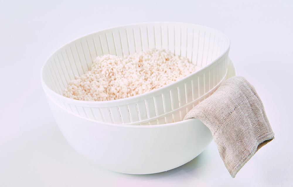 ふっくらお米が炊ける米とぎにも使えるザルとボウル イメージ